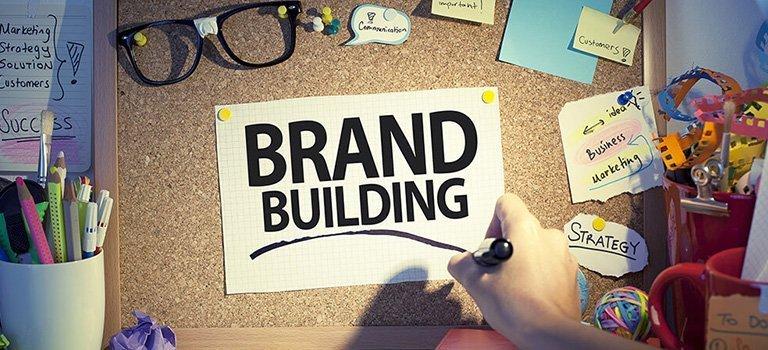 خطواتنا العملية لمساعدتك في بناء علامة تجارية Brand ناجح